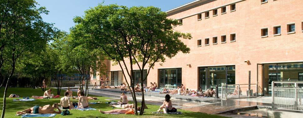 Les plus belles piscines en plein air de paris for Piscine edouard pailleron