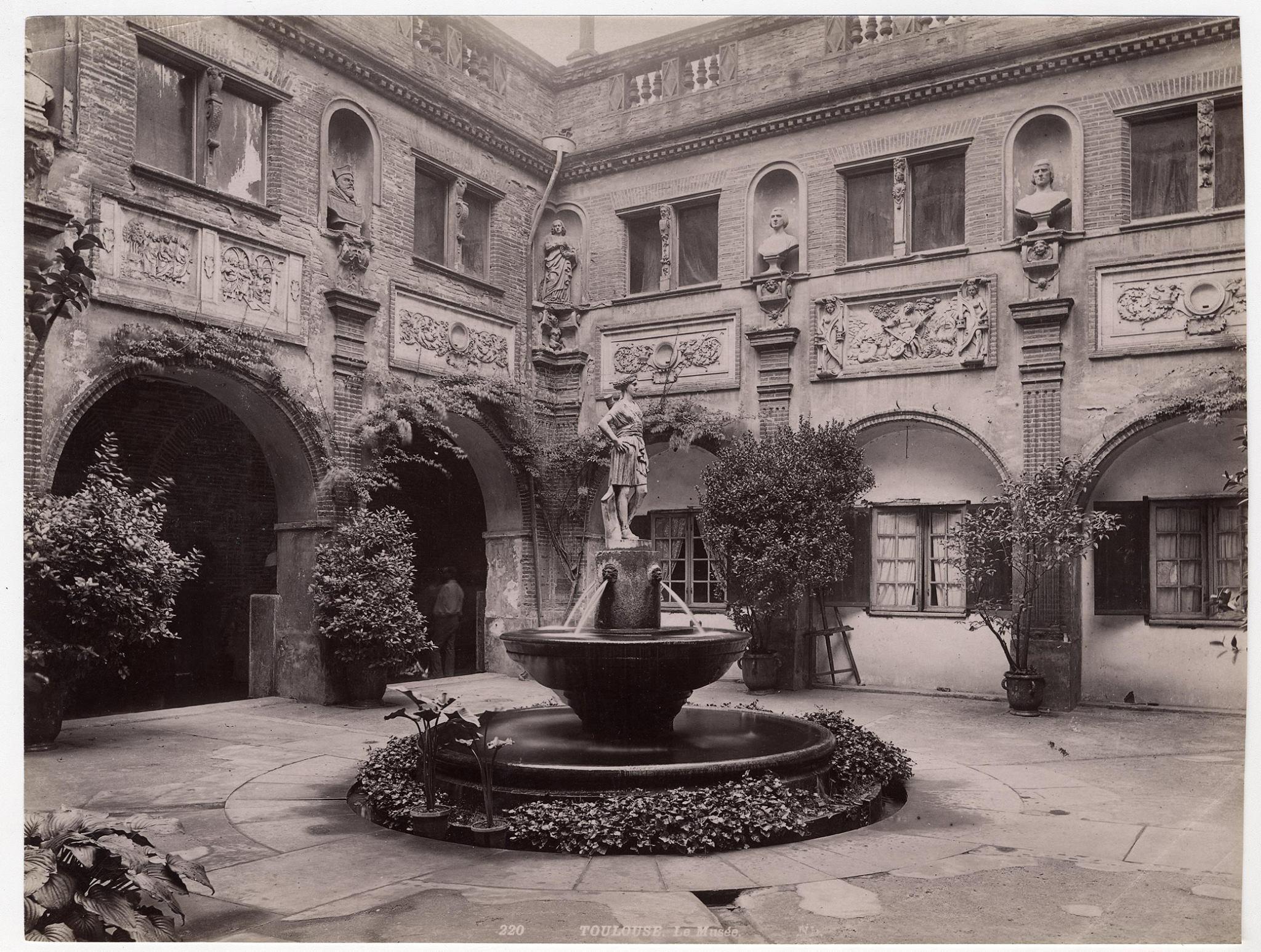 Petit cloitre du Musee des Augustins fin du 19e