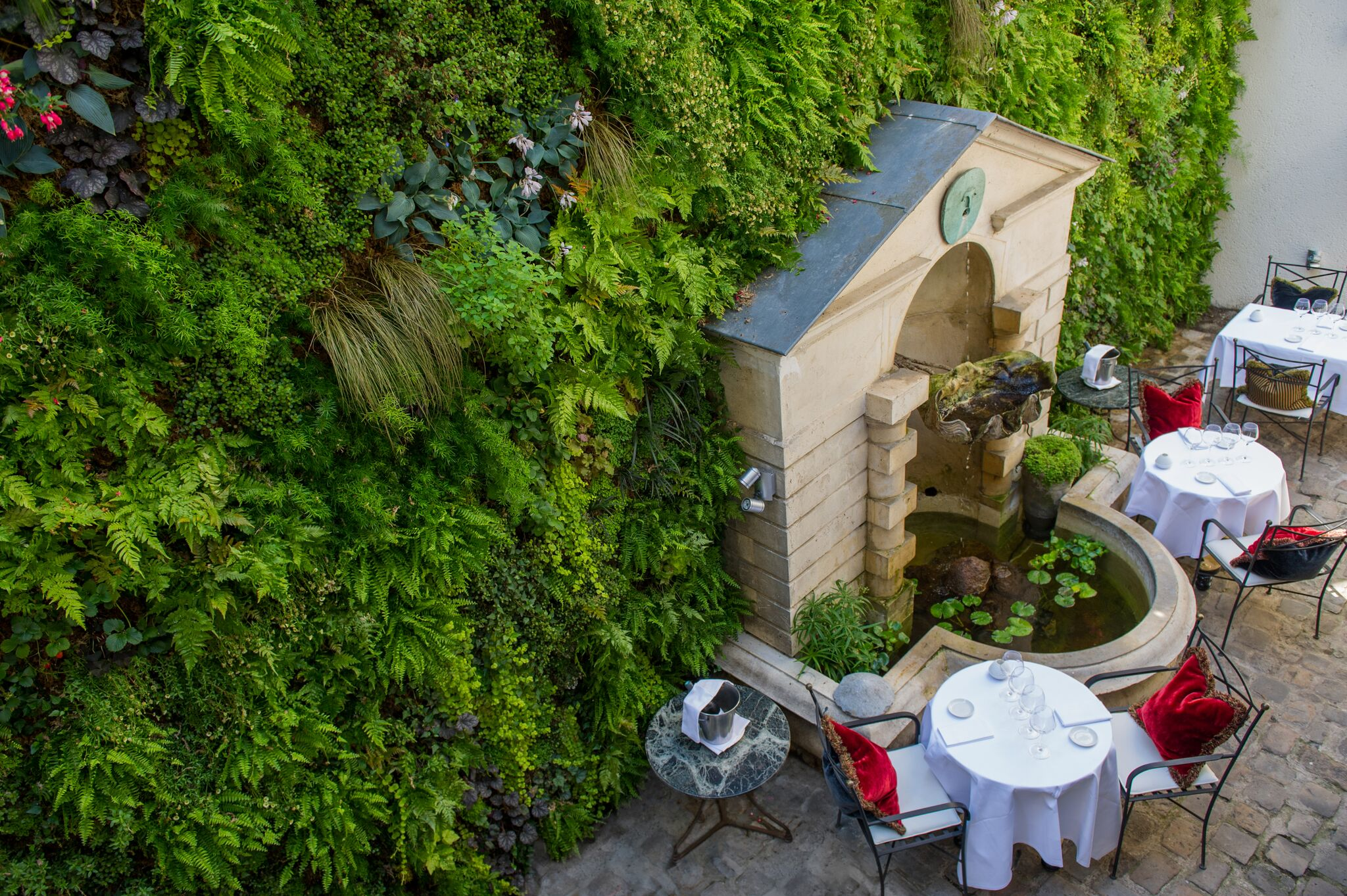 restaurant romantique a paris lhotel