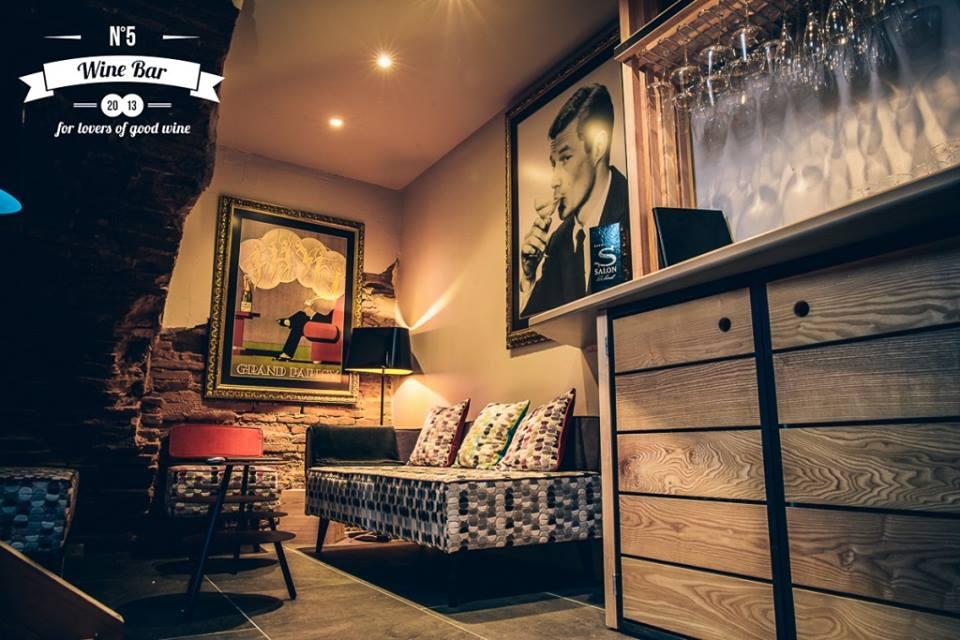 n5 wine bar une exp rience unique autour du vin. Black Bedroom Furniture Sets. Home Design Ideas