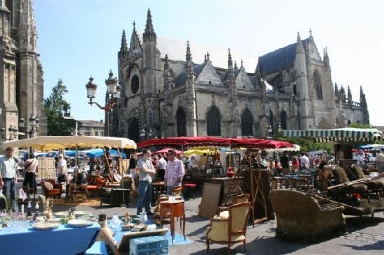 brocante-bordeaux-saint-michel