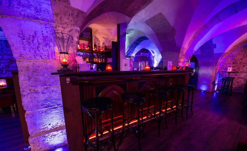 bars originaux paris les dessous du pantheon