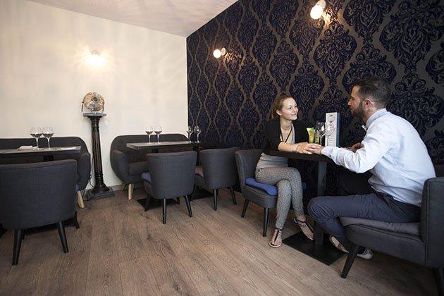 le fleur bleu restaurant de cocktails. Black Bedroom Furniture Sets. Home Design Ideas
