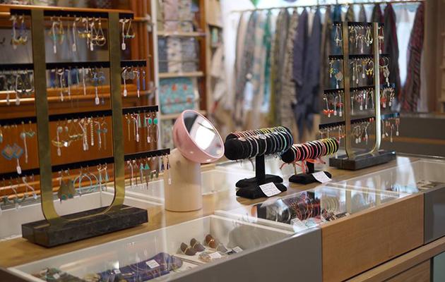 bijouterie nantes 9 boutiques de bijoux d valiser. Black Bedroom Furniture Sets. Home Design Ideas
