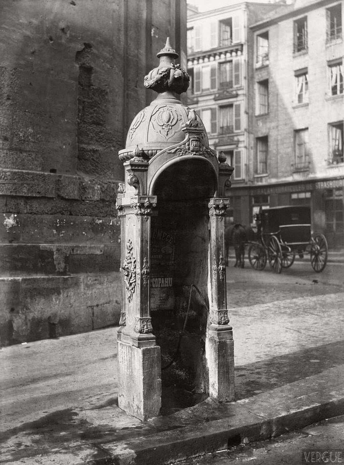urinoir-paris-1860-charles-marville