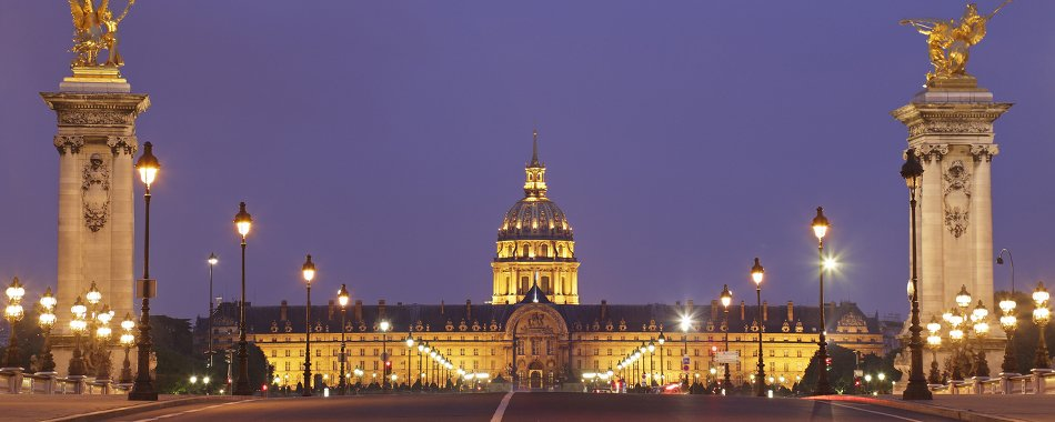 un spectacle son et lumi re exceptionnel sous le d me des invalides. Black Bedroom Furniture Sets. Home Design Ideas