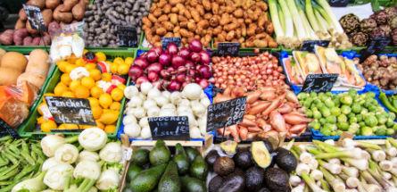 Comment bien faire ses courses pour ne pas s'empoisonner ?
