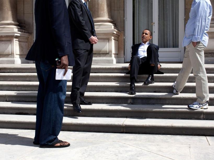 Sur les marches de la résidence de l'ambassadeur des USA à Paris (07/06/09)
