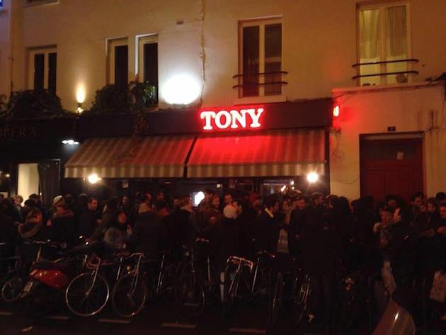 bars-ou-pecho-a-paris-tony