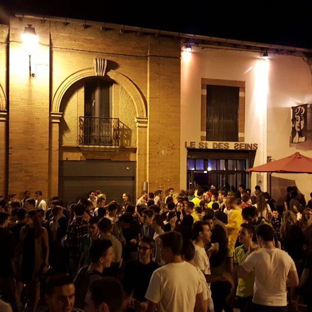 Le top des happy hours à Toulouse - Le Saint des Seins