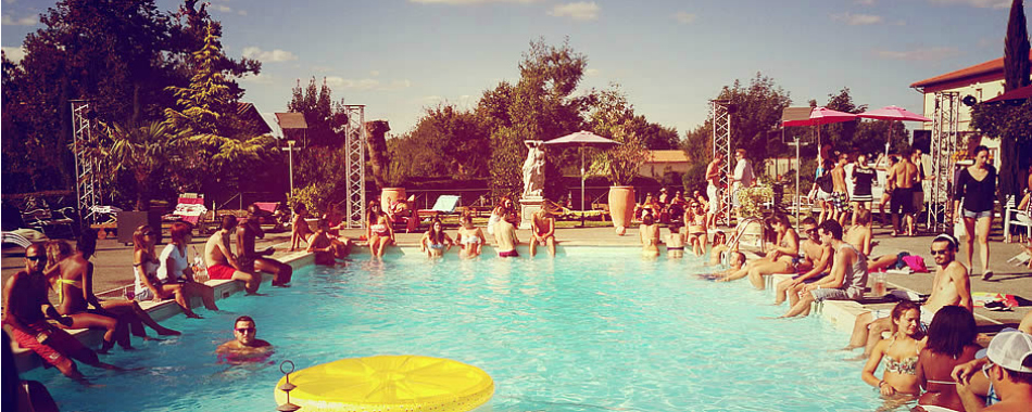 Viens faire la f te aux pool party de la piscine du canard for Piscines colomiers