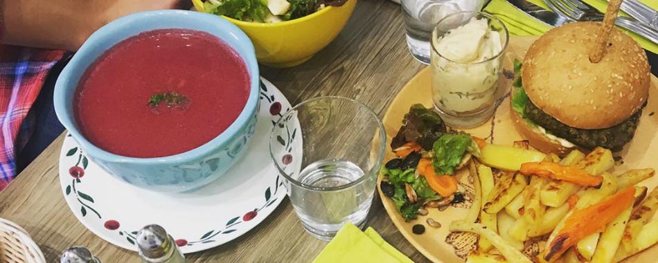 Chez v g tayelle et snack vegan l 39 adresse parfaite pour for Cuisinier vegan