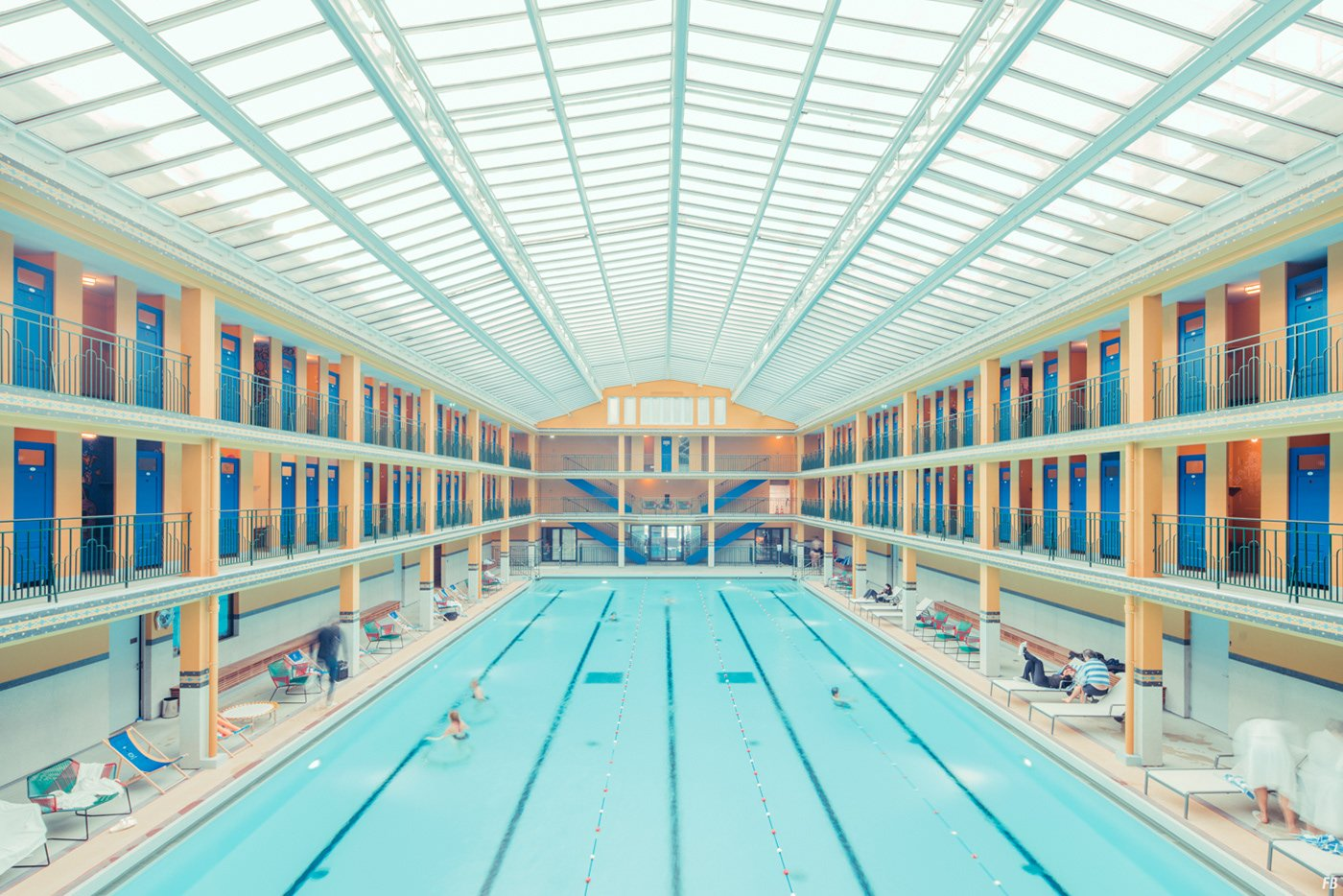 Admirez ces photos sublimes de la piscine molitor for Piscine molitor prix