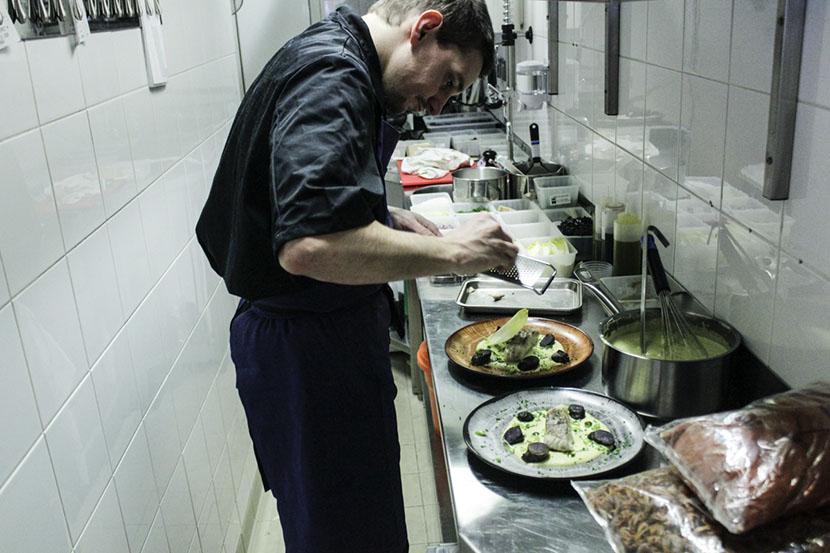 la cantine de meme restaurant paris cuisinier