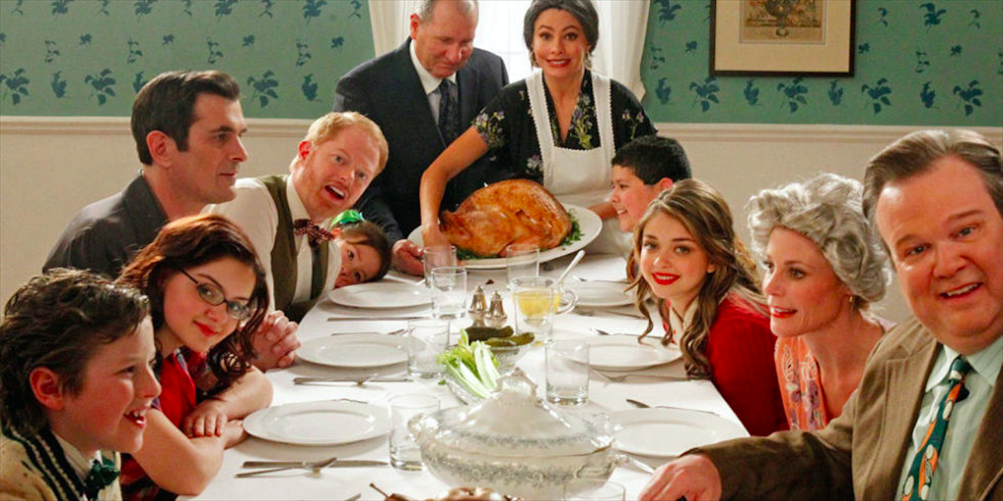 top-10-traditions-americaines-dans-series-films-modern-family