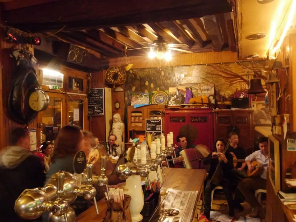 Restaurant A Vec Musique Jazz Paris