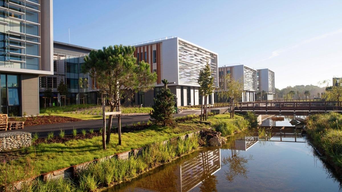 Des innovations de dingue se cachent dans ce campus de 60 000 m²