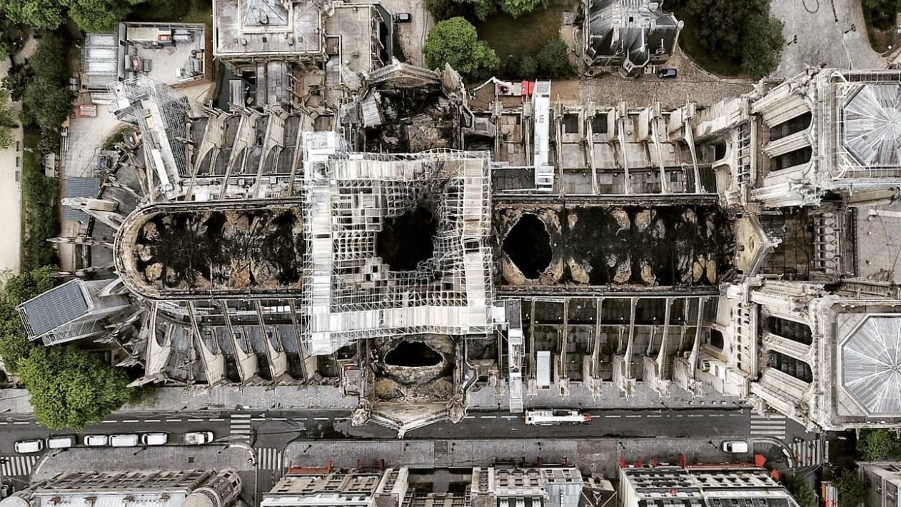 Notre-Dame : des photographies prises par drone témoignent des dégâts