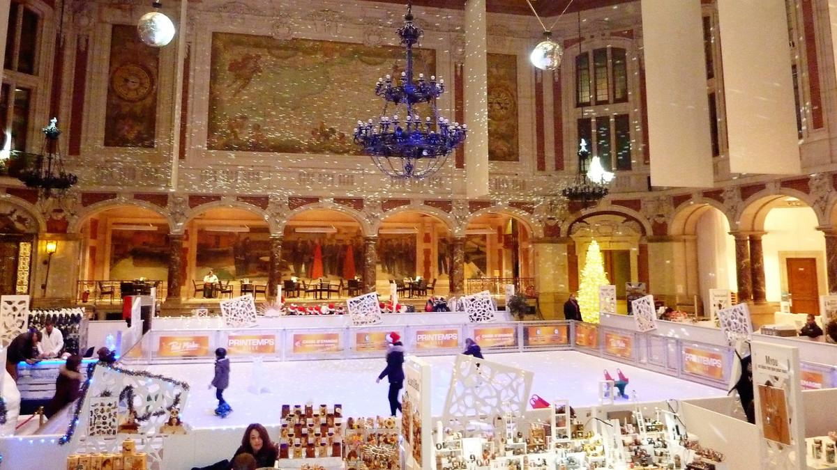 La patinoire féérique du Palais de la Bourse fait son grand retour