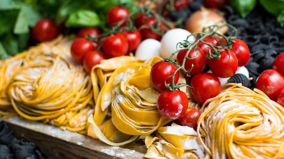 Un immense marché gastronomique italien s'installe près du Louvre