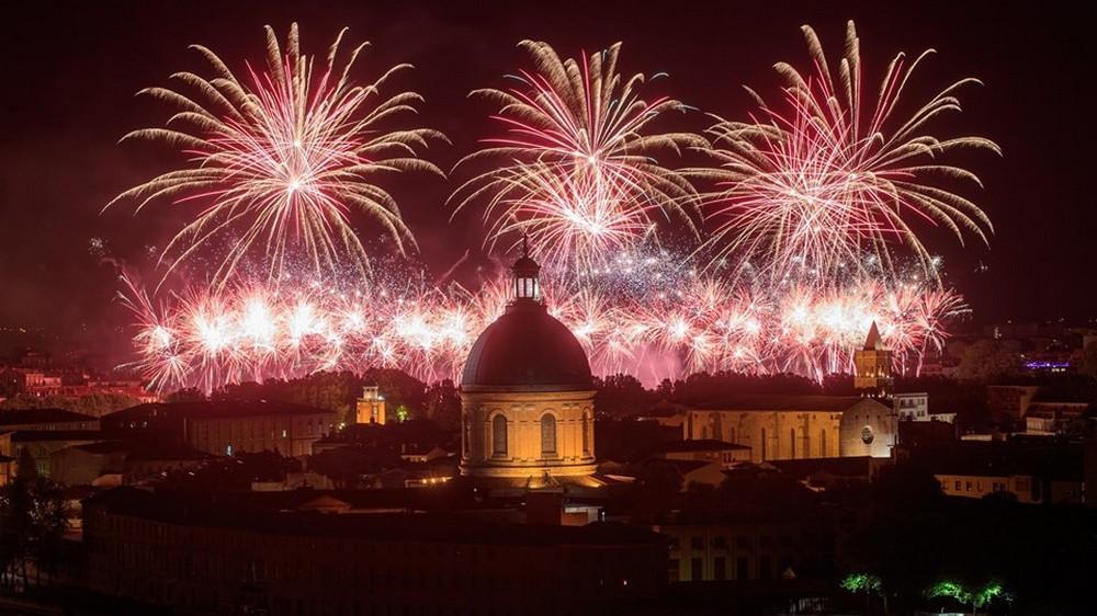 Les plus belles photos du feu d'artifice du 14 juillet à Toulouse