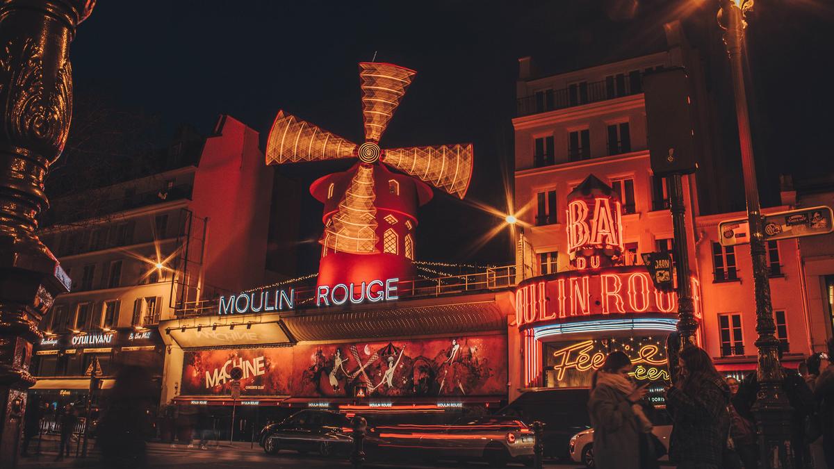 Ciné en plein air tout l'été sur le rooftop du Moulin Rouge