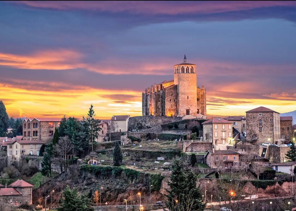 Top des plus beaux villages visiter autour de lyon - Piscine saint symphorien sur coise ...
