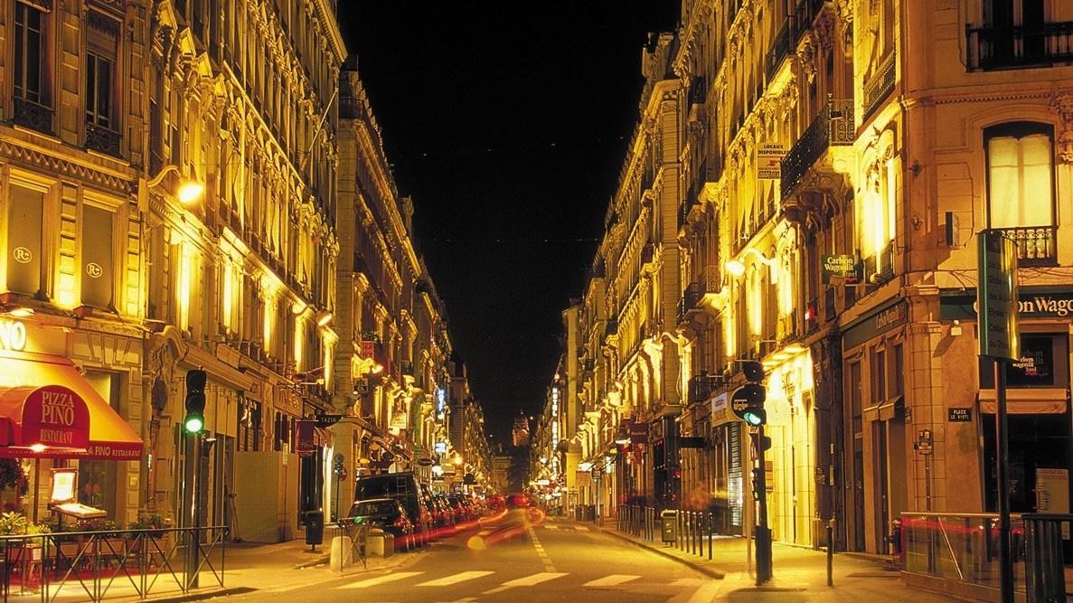 La rue Édouard Herriot est désormais interdite à la circulation le week-end entre 22h et 4h