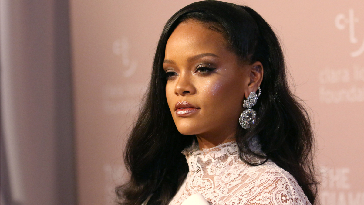 Paris : Rihanna ouvre un pop-up store dans le Marais