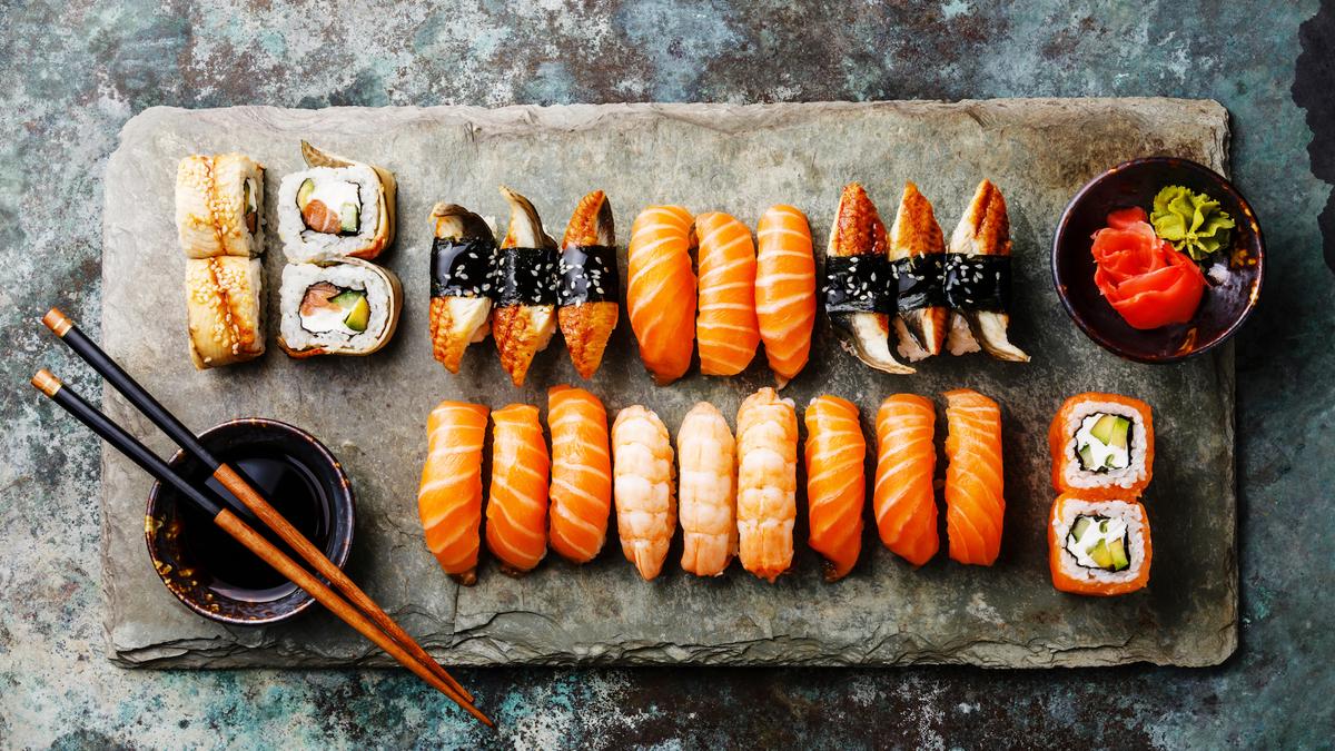 Attention aux sushis : plusieurs cas de ténia ont été recensés à Paris