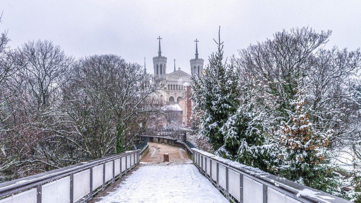 Les photos les plus magiques de Lyon sous la neige tombée ce jeudi soir