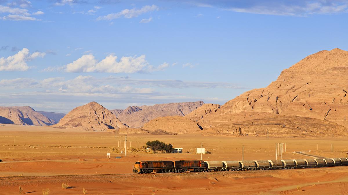 Un voyage insolite en train au cœur du Sahara