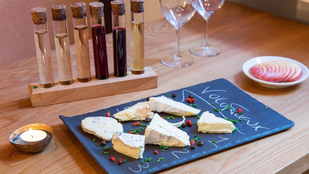 Les Petits Crus : le spot qui marie vins et fromages à la perfection