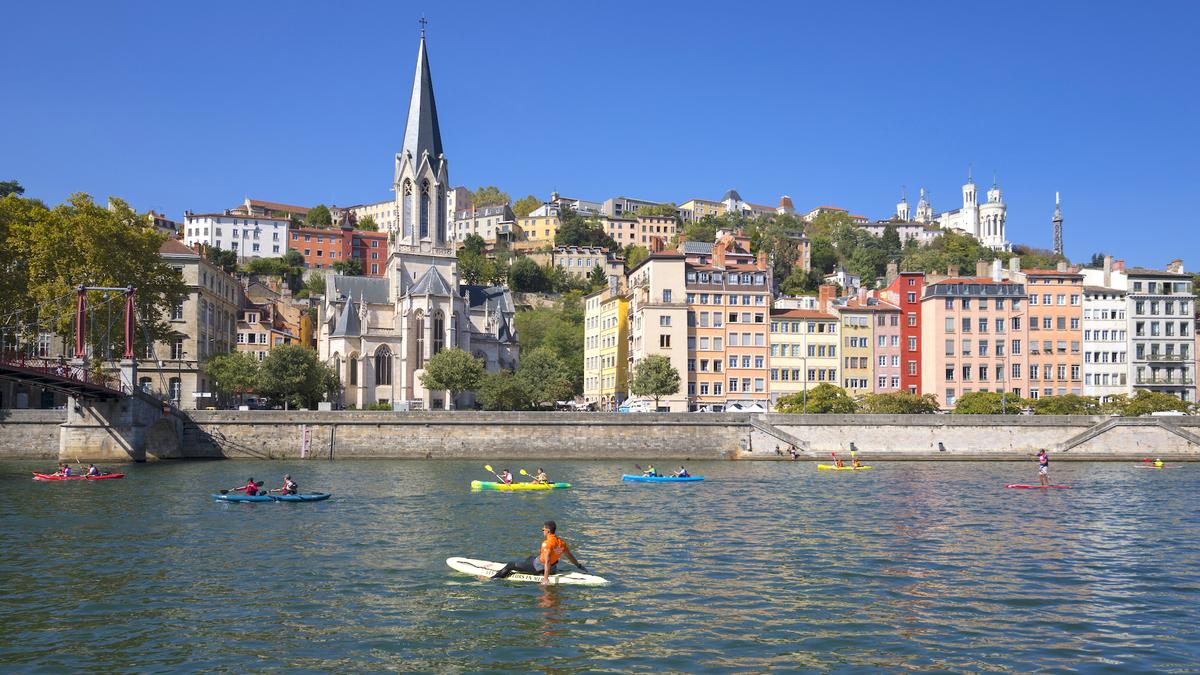 Un grand ramassage de déchets en kayak organisé sur la Saône