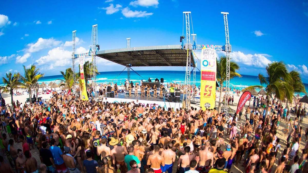 Pendant ce temps, sur les plages de Floride, des milliers de ravers se retrouvent pour Spring break