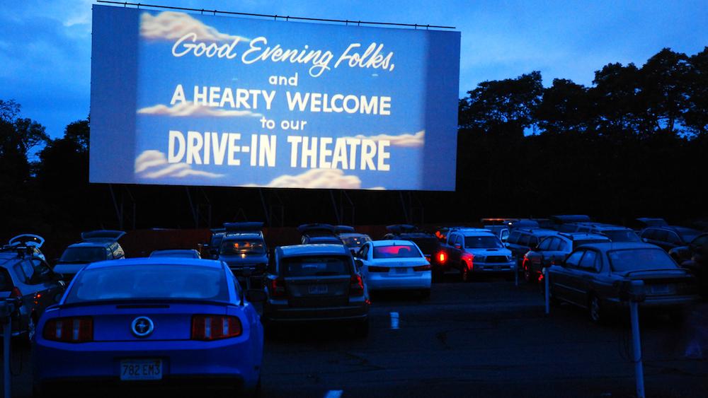 Cinéma : un drive-in géant débarque à travers la France