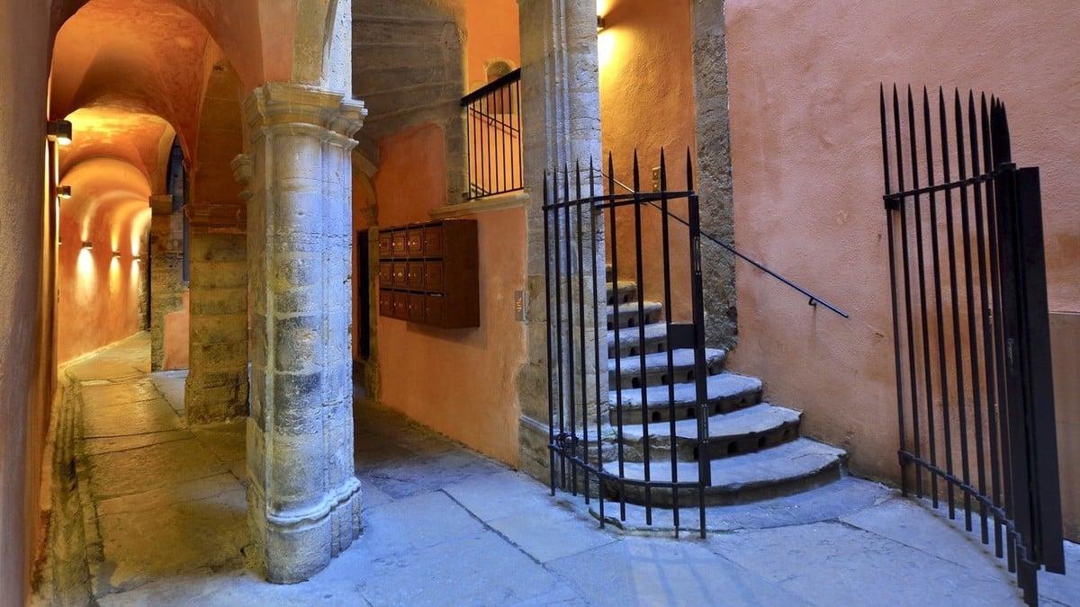 4 traboules mythiques et accessibles à découvrir absolument à Lyon
