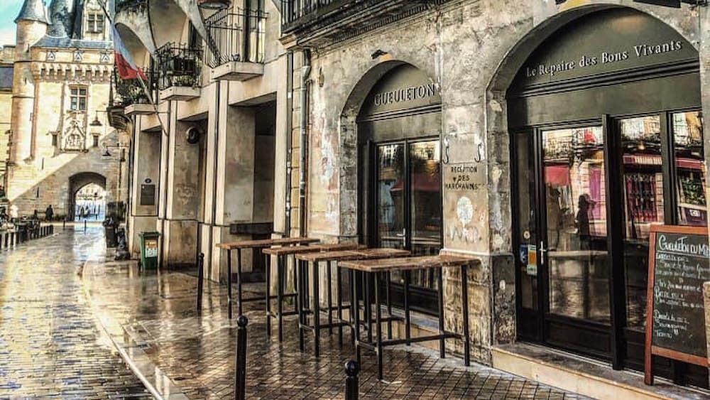 Gueuleton, le nouveau resto des bons franchouillards Place du Palais