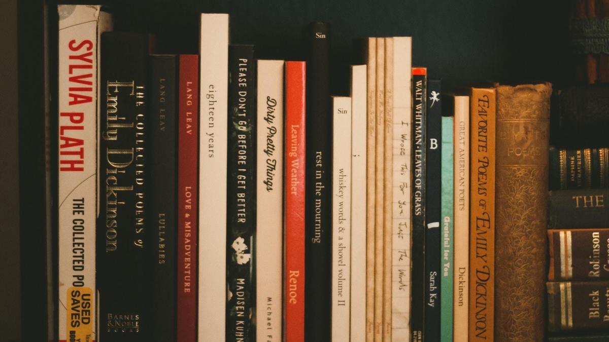 Cette nouvelle librairie du Quartier latin vend des poèmes au poids