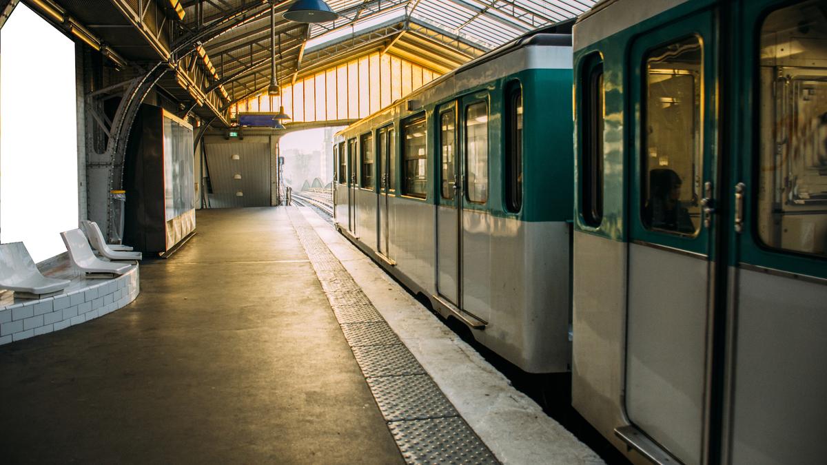 Grèves : « Aucun métro, bus ou RER et gares fermées » ce vendredi 24 janvier