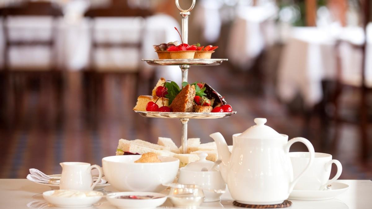 Les salons de thé proposant une cuisine faite maison peuvent rester ouverts