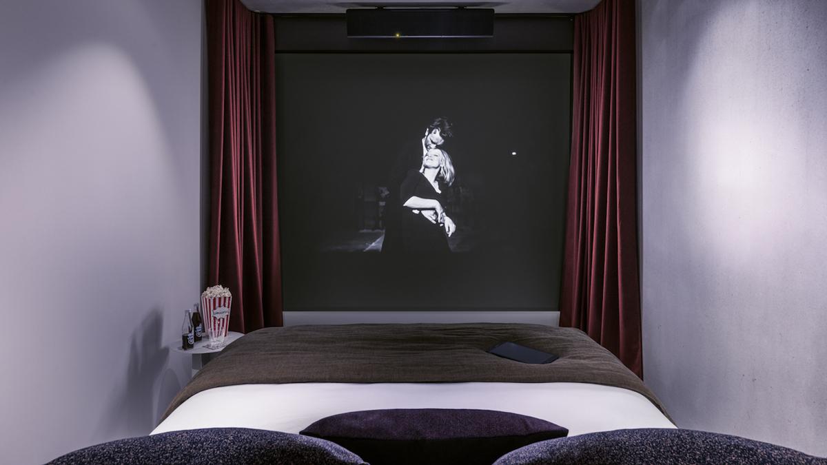 Le premier cinéma-hôtel débarque à Paris en mars ! - Le Bonbon
