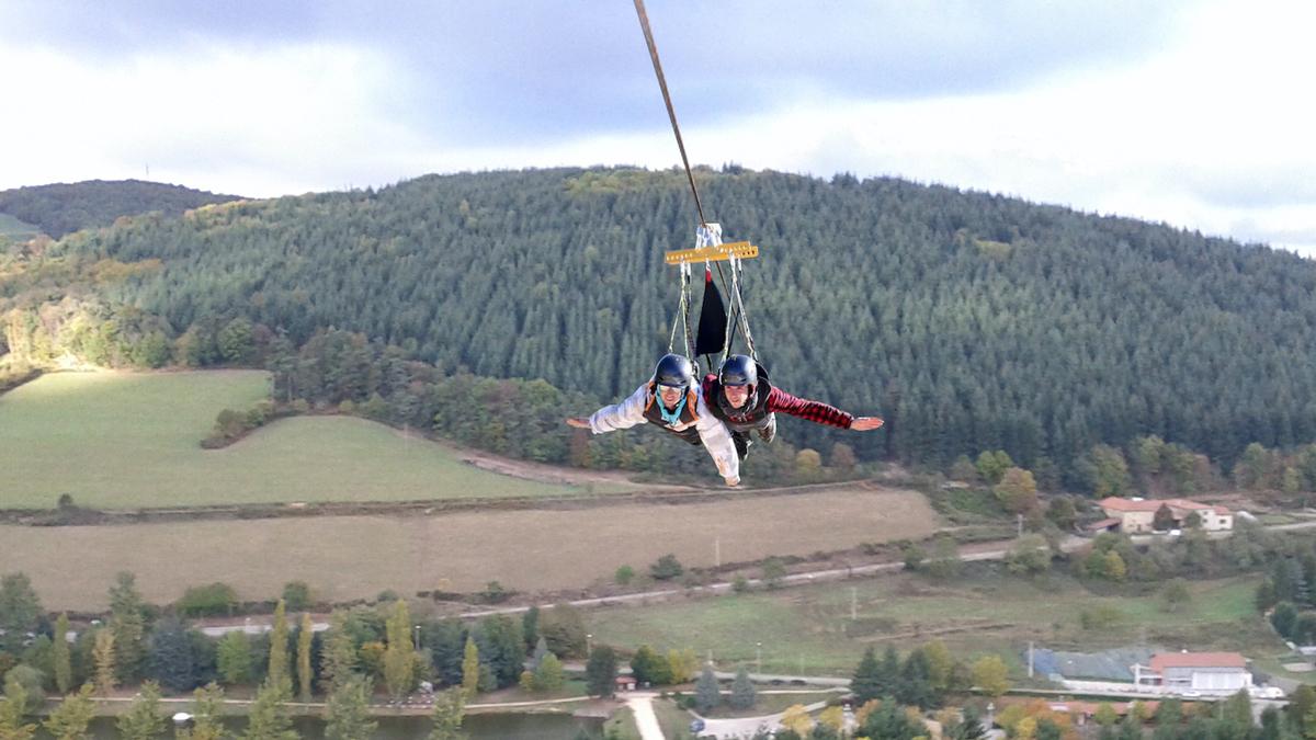 Une tyrolienne géante d'un kilomètre de long pour s'envoyer en l'air à 110 km/h près de Lyon